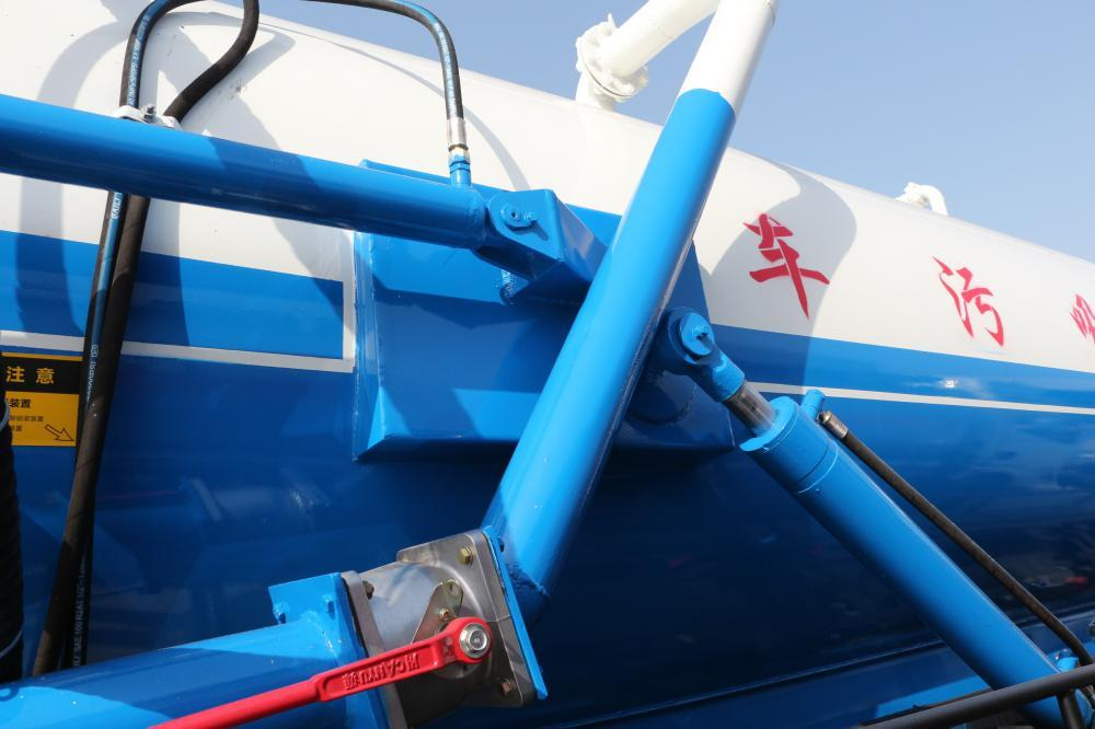 10000L Vacuum Sewage Suction Truck Dongfeng 1