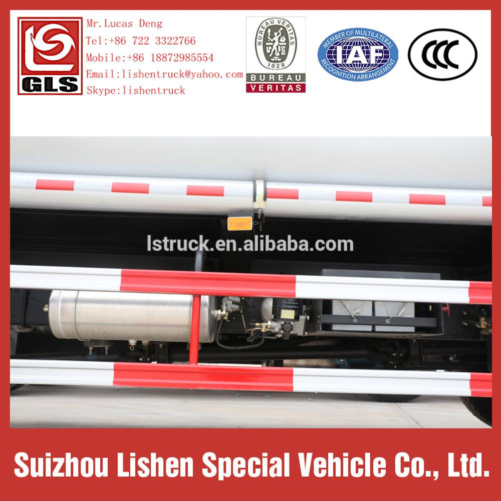 Auman Fuel Carbon Steel Oil Tanker Truck 2