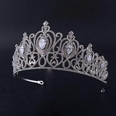 Multiple Peach Heart Diamond Alloy Crown Queen