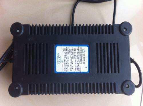 Lead Acid Storage Battery Charger for Electric Bicycle/Car 4