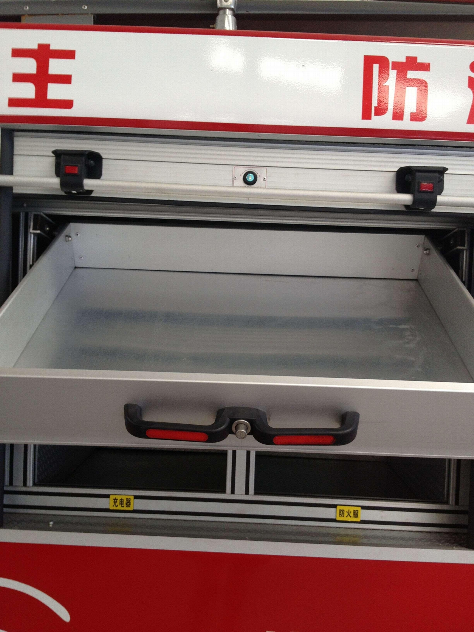 Accessories Aluminum Door (Fire Fighting Truck) 4