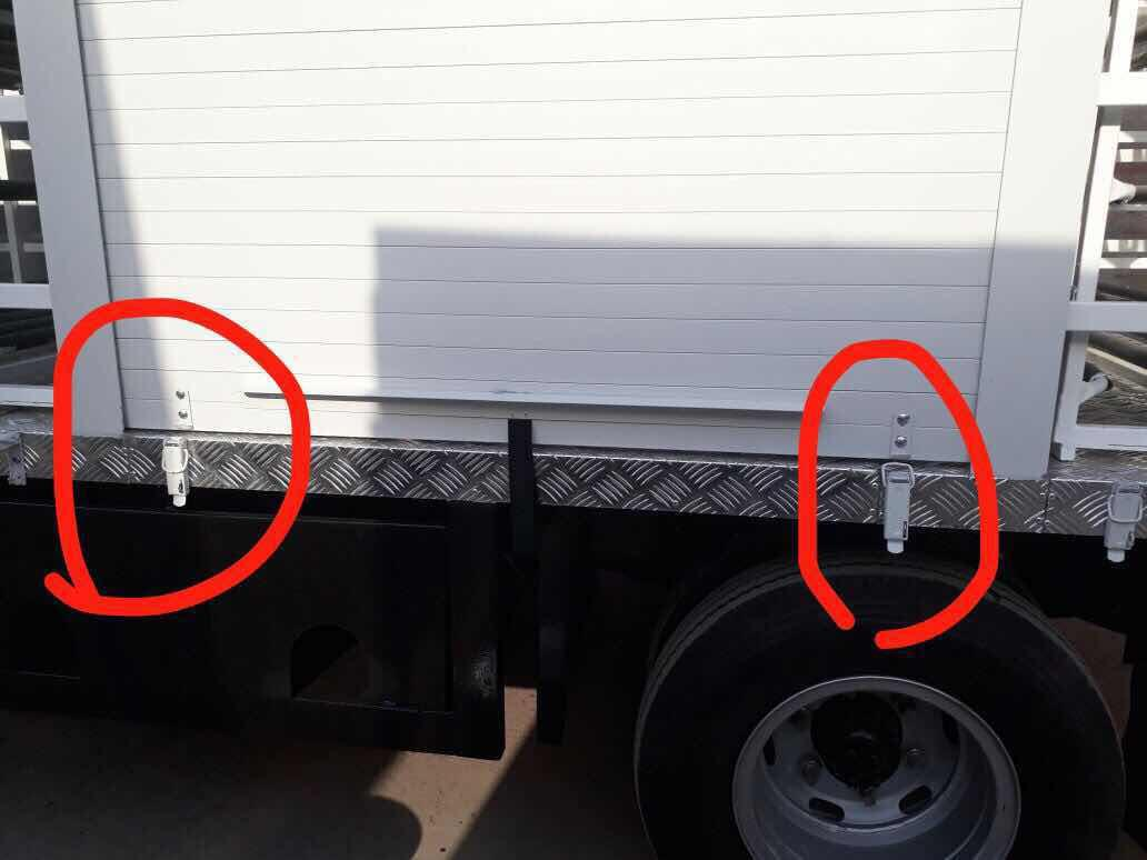 Truck Roll up Door Special Bukcle Trail 2
