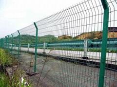 廠家批發安全防護公路護欄網
