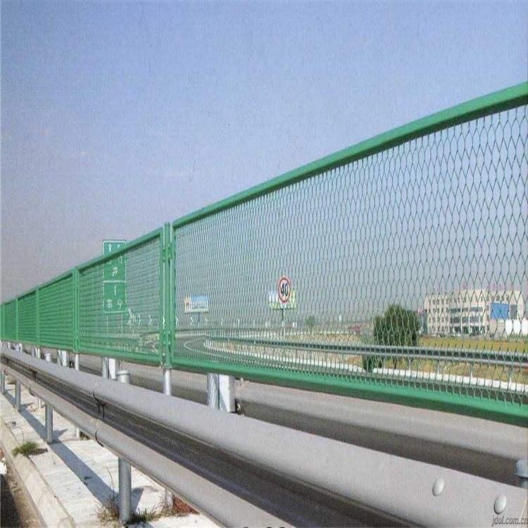 上海岑功廠家批發高速護欄網可定製 2
