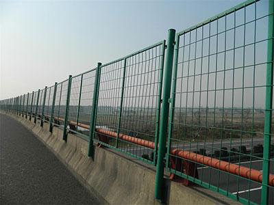 上海岑功厂家批发高速护栏网可定制 5