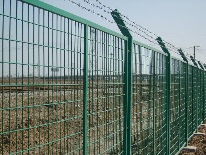 上海铁路护栏网 4