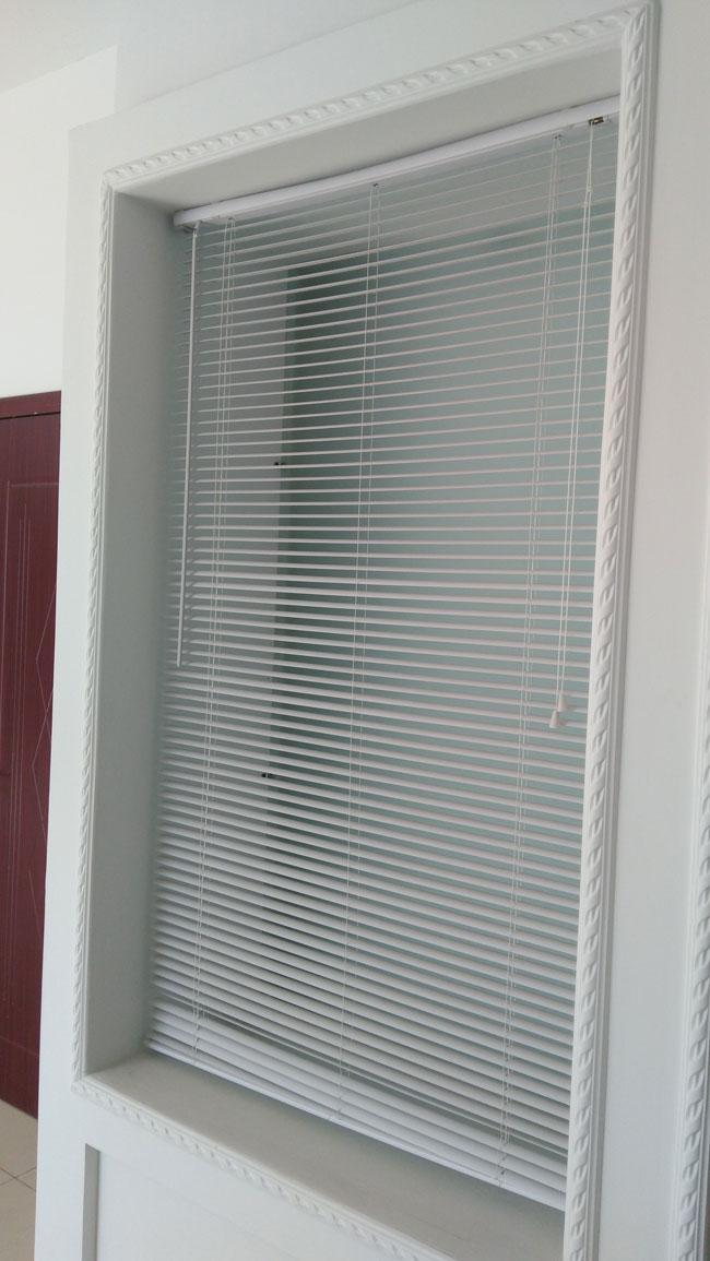 Horizontal venetian blinds 5