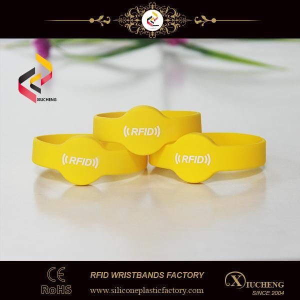 Waterproof 13.56MHz Passive RFID Wristband 1