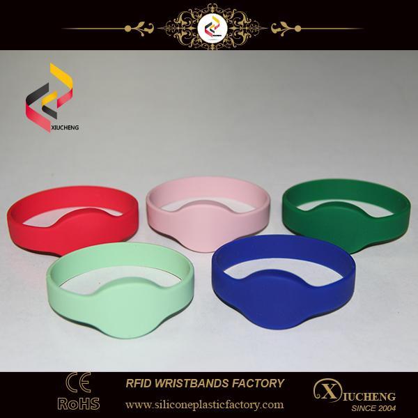 Silicone RFID Wristband NFC Bracelet 1