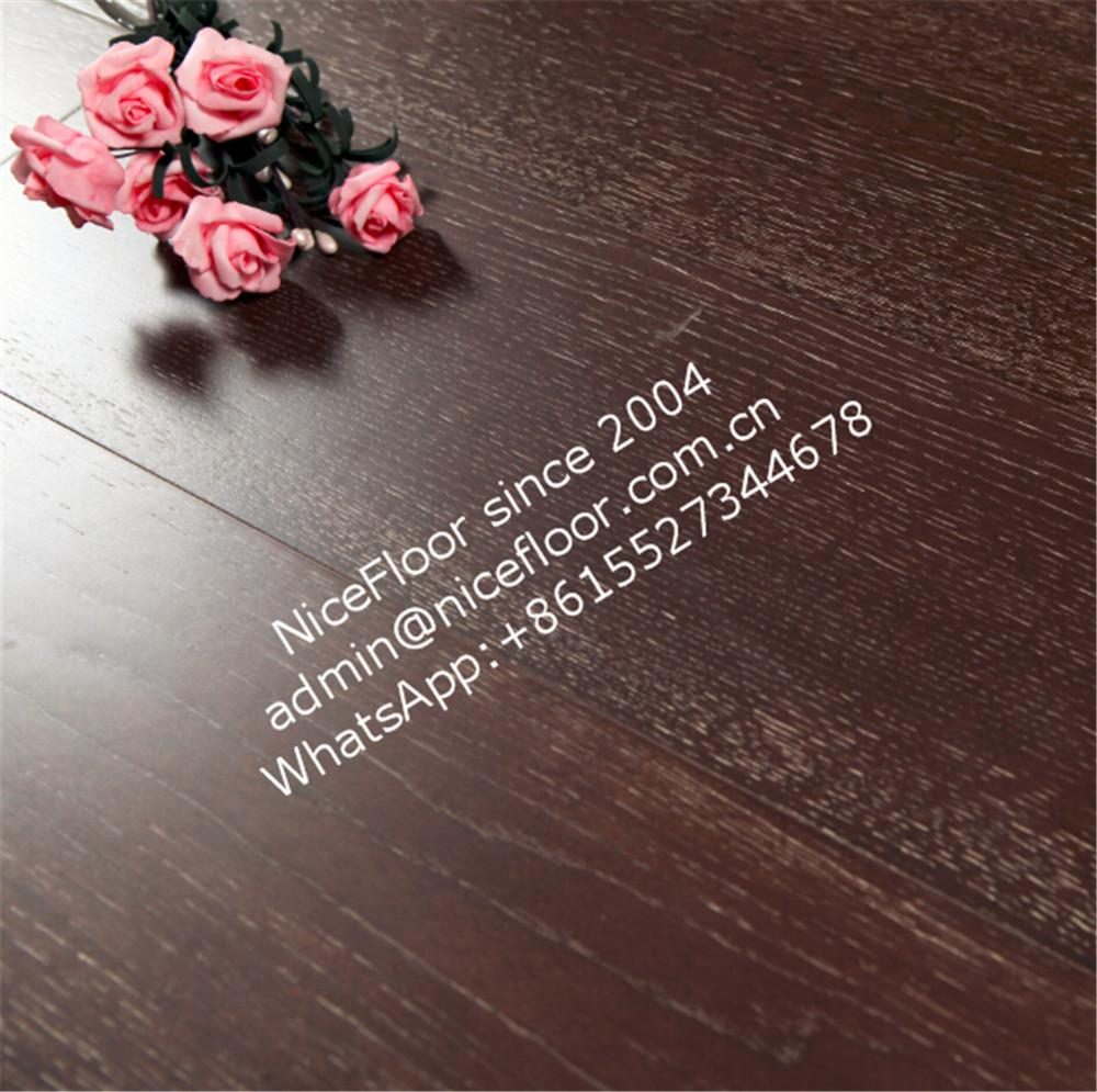 Durable HDF laminated flooring in China 4