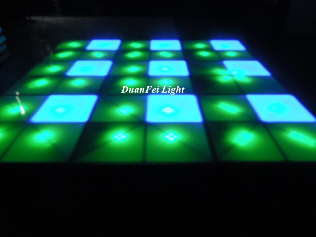 100cm*100cm 10mm dance wedding floor 720 pcs led dance floor for stage disco par 5