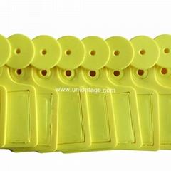 one piece design yellow RFID UHF animal cow ear tag
