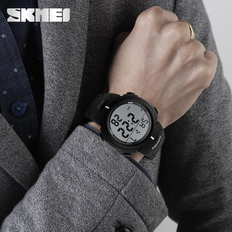 Outdoor dress digital watches 5ATM with Taiwan chip and imported EL lighting PU  5