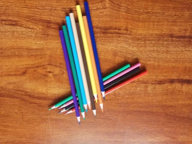 Wooden-Free Plastic 12Color 7Inch Pencil Color 4