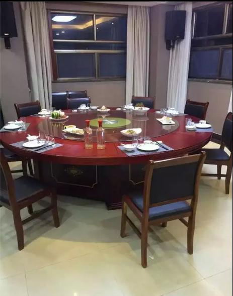 電動餐桌 1