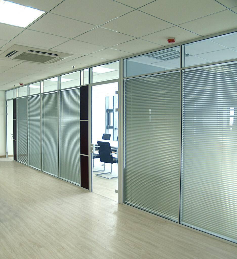 武汉办公室玻璃隔断 1