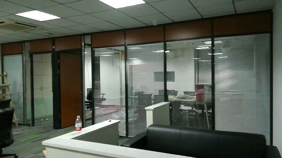 玻璃隔断安装 2