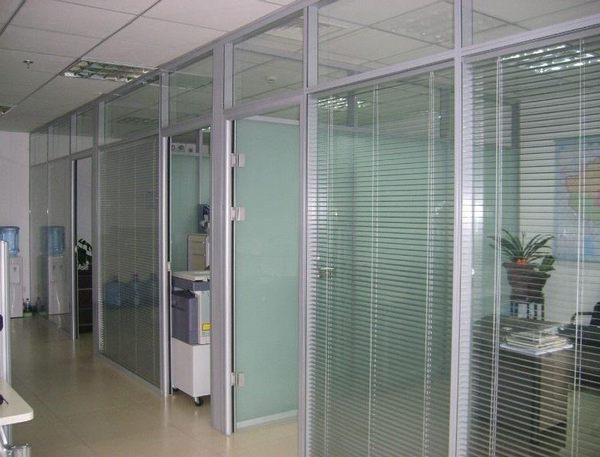 磨砂钢化玻璃隔断 3