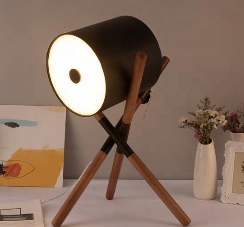 Unique Leather 3 Legs Desk Lamp Wooden Decoration Table Lamp Metal Tripod Lamp 1