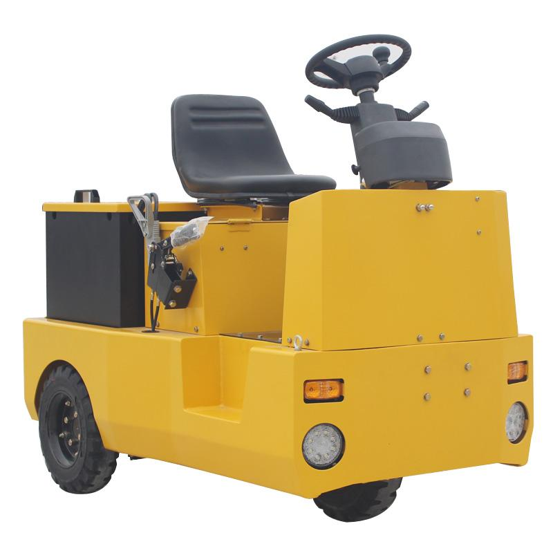 3-wheel Electric Tow Tractor 1