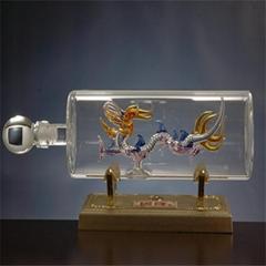 内置龙形玻璃工艺酒瓶