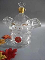 猪型玻璃工艺酒瓶厂家