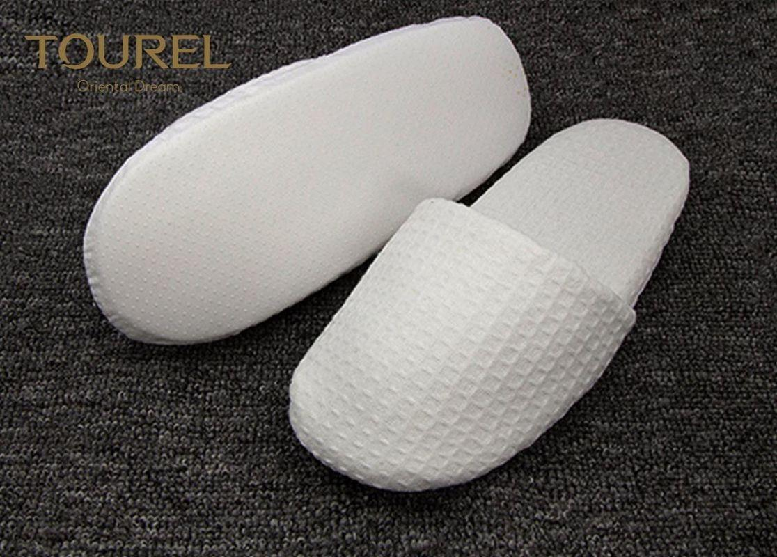 442e3a96cb95 ... EVA Sole Waffle Indoor Disposable Hotel Slippers With Custom Logo 2
