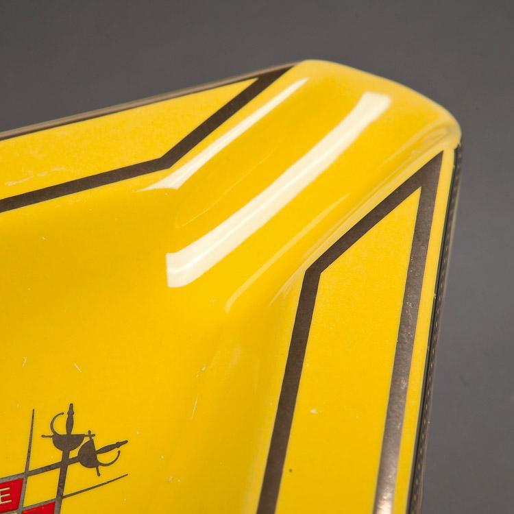 三角烟灰缸 5