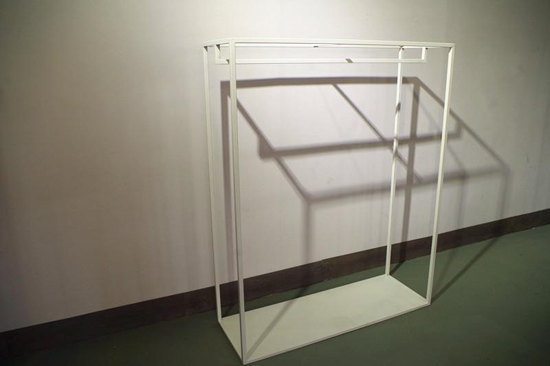 服裝展示架高架牆上展示架白色 2