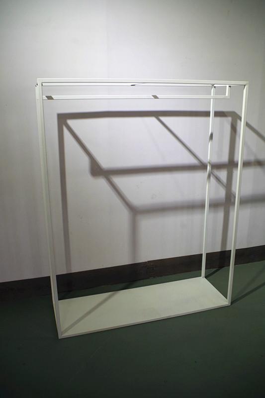 服裝展示架高架牆上展示架白色 3