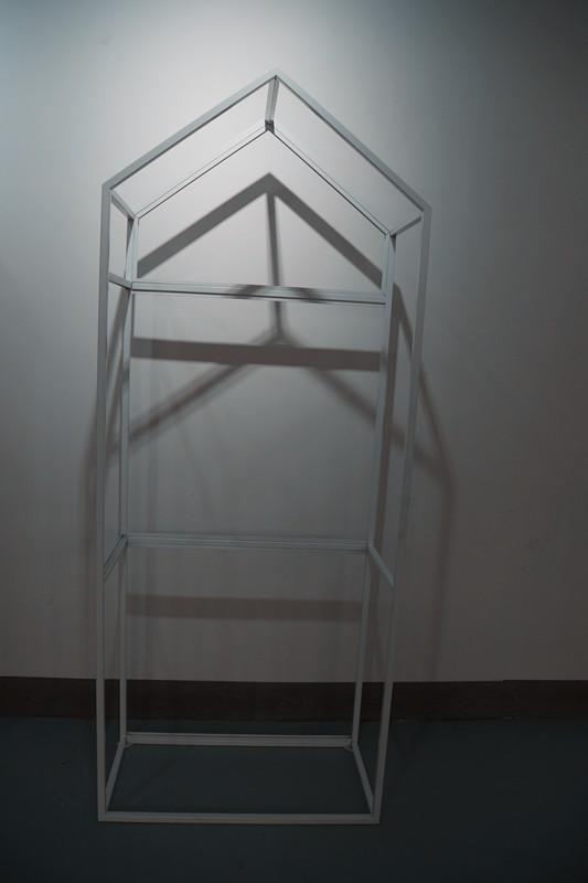 屋子形狀服裝展示架高架牆上展示架 2
