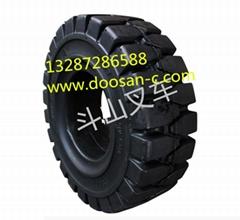 韩国斗山叉车轮胎