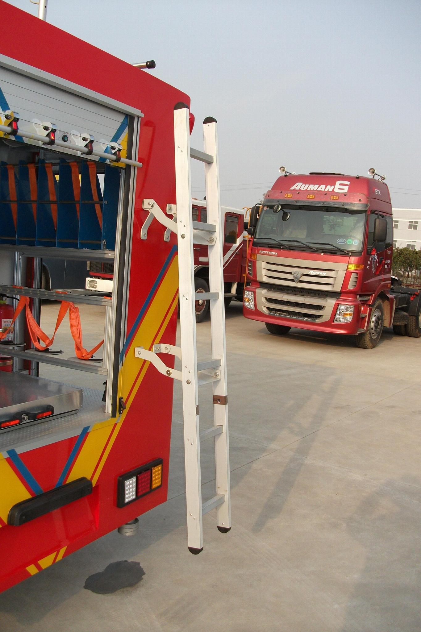 Truck Accessories Aluminum Back Ladder for Fire Trucks 1