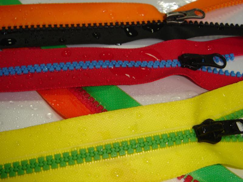 SZIP Derlin plastic Water repellent waterproof zippers 3