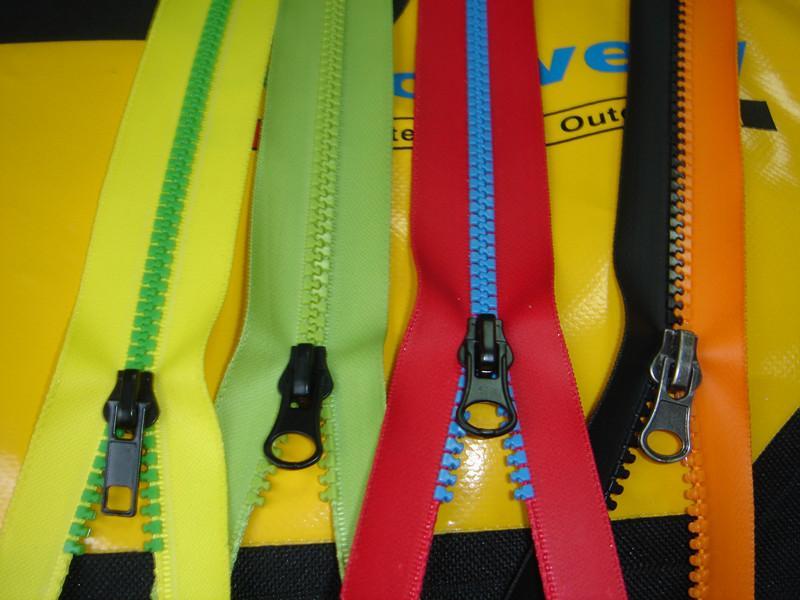 SZIP Derlin plastic Water repellent waterproof zippers 4