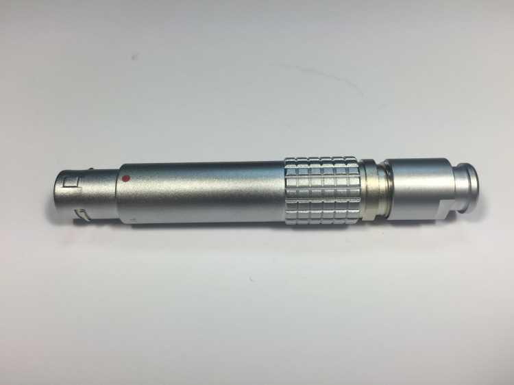 金屬插頭兼容FDG推拉自鎖連接器 1