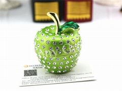 Metal Gifts Apple Shape Trinket Boxes with Crystal Wedding Favor