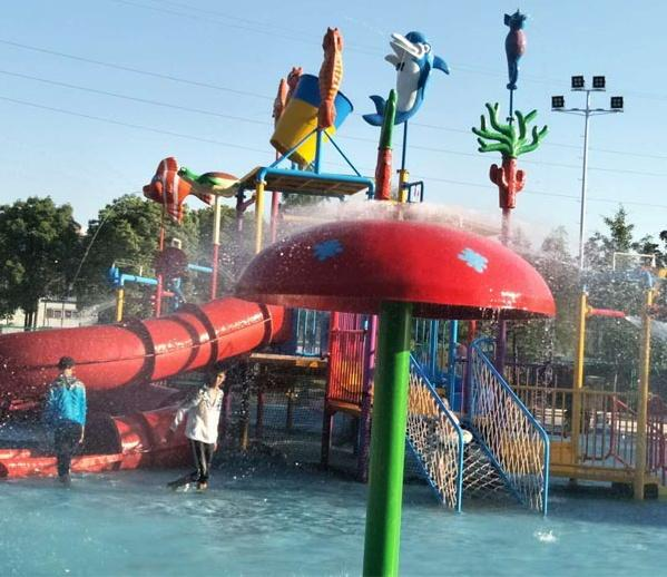 Good Quality water park design build,aqua park equipment,water park equipment fo 1