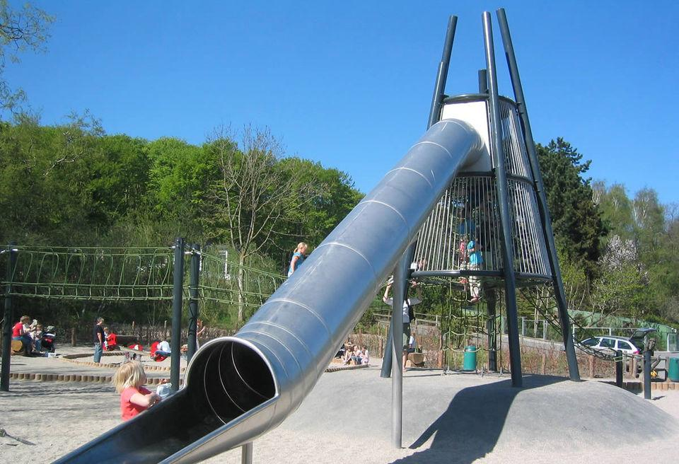 牧童定做不鏽鋼造型滑梯非標定製滑梯S型旋轉滑梯 1
