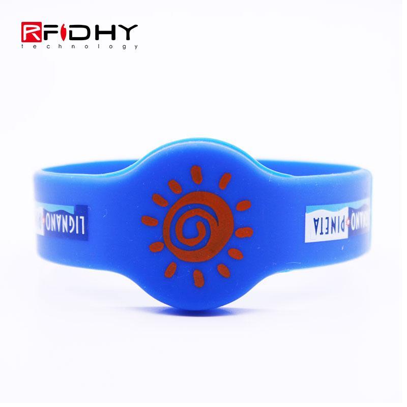 RFID silicone wristband 1