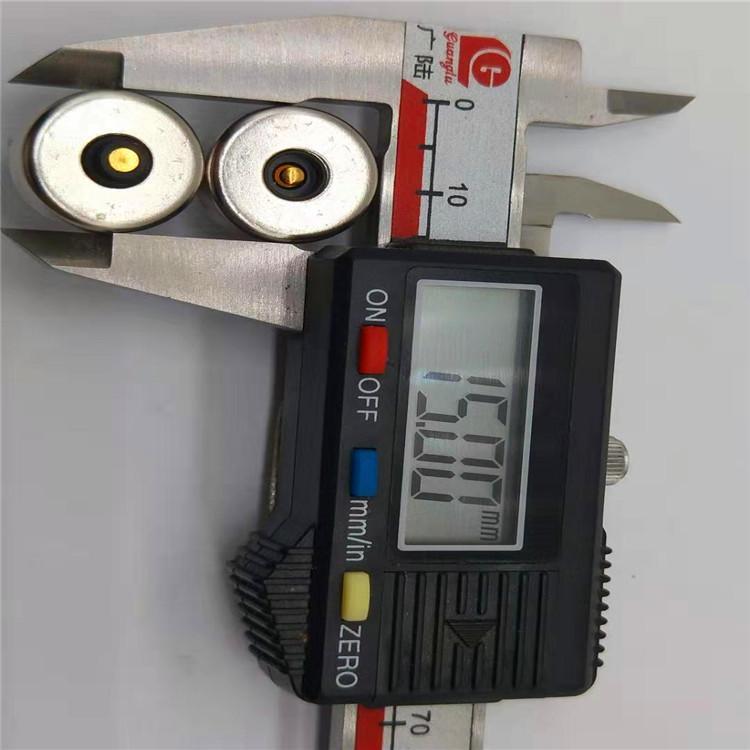 车载磁吸车充手机支架汽车防滑垫用车用硅胶垫磁性充电线无线充 4