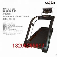 健身房器材跑步机