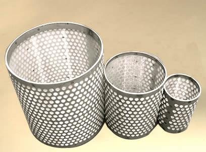 Candle filter with woven wire mesh or perforated metal has high filter precision 2