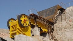 Wheeled type stone crusher machine Small Mobile Jaw Crusher for sale
