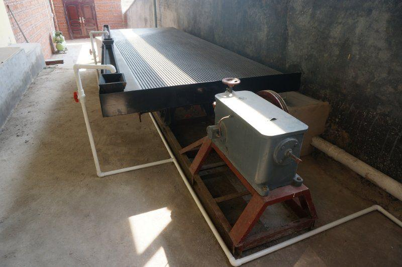 China Factory Price Wilfley Shaking Table Price For Sale 1