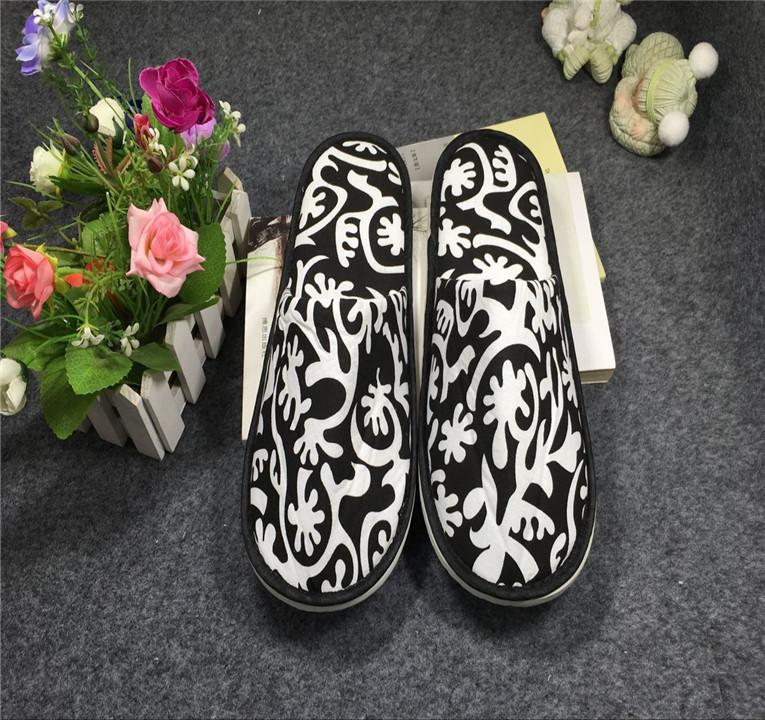 Factory direct sales of new hotel hotel slippers special slippers at home 1