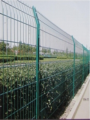 PVC coated ga  anized wire mesh fence