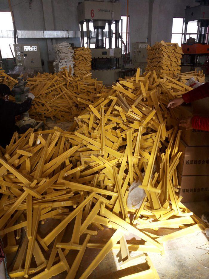 廠家直銷玻璃鋼電纜支架組合螺釘支架 1