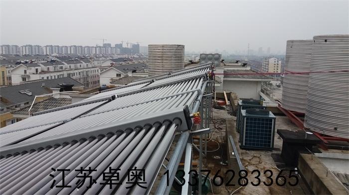 常州金坛万福大酒店太阳能空气能热水系统 1