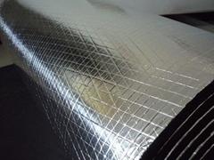 加筋铝箔橡塑保温板